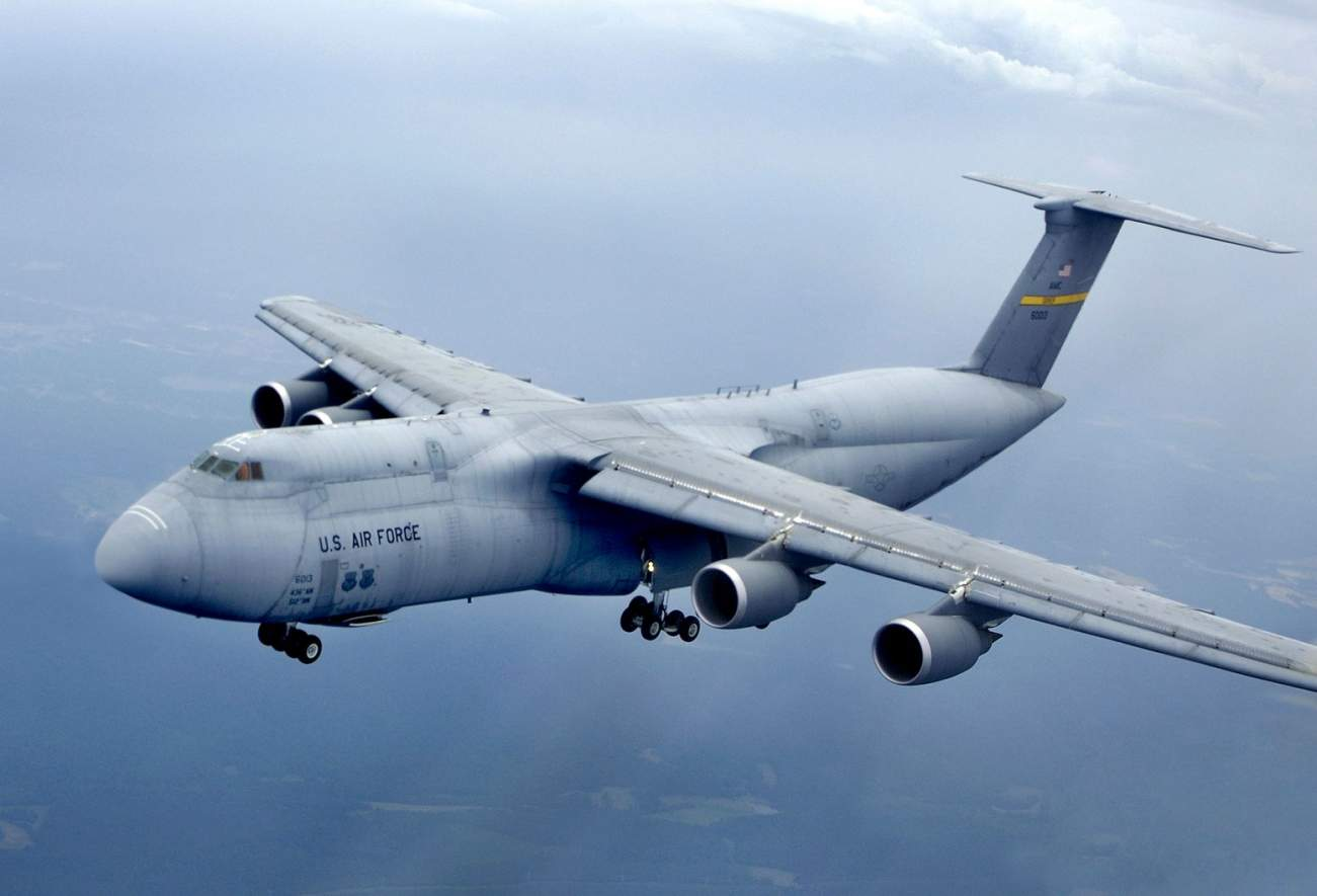 This Massive C-5 Galaxy Almost Crashed. It Would Have Been a Disaster