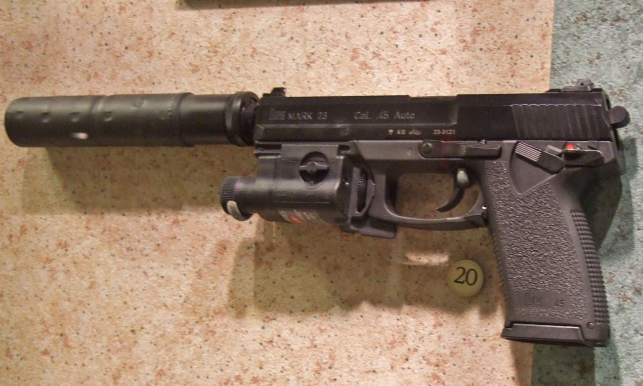 The Navy SEAL's MK-23 Pistol Is A Truly Bizarre Weapon