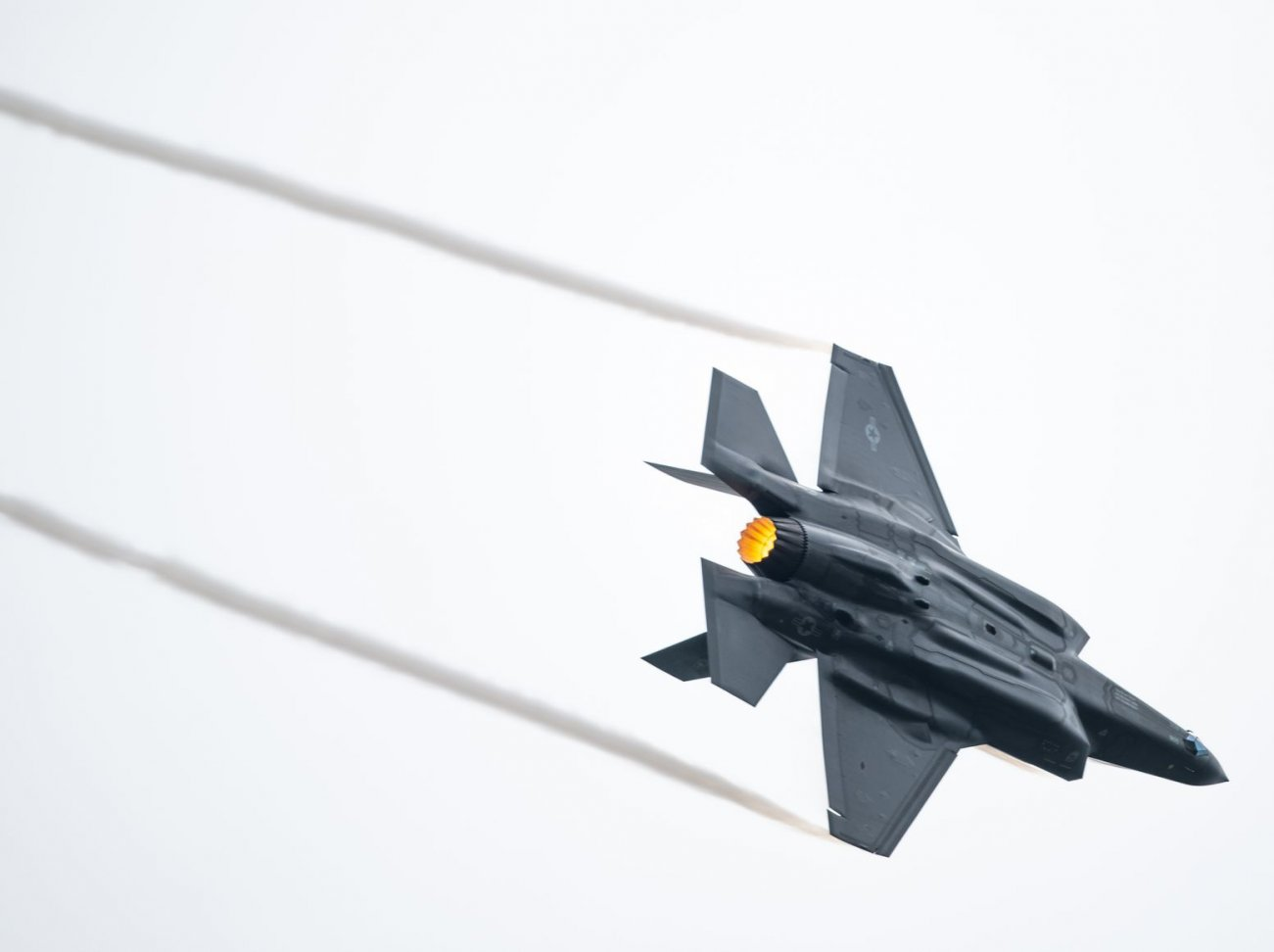 """This Is the """"Threat Library"""" America's Stealthy F-35 Uses to Destroy Its Enemies"""