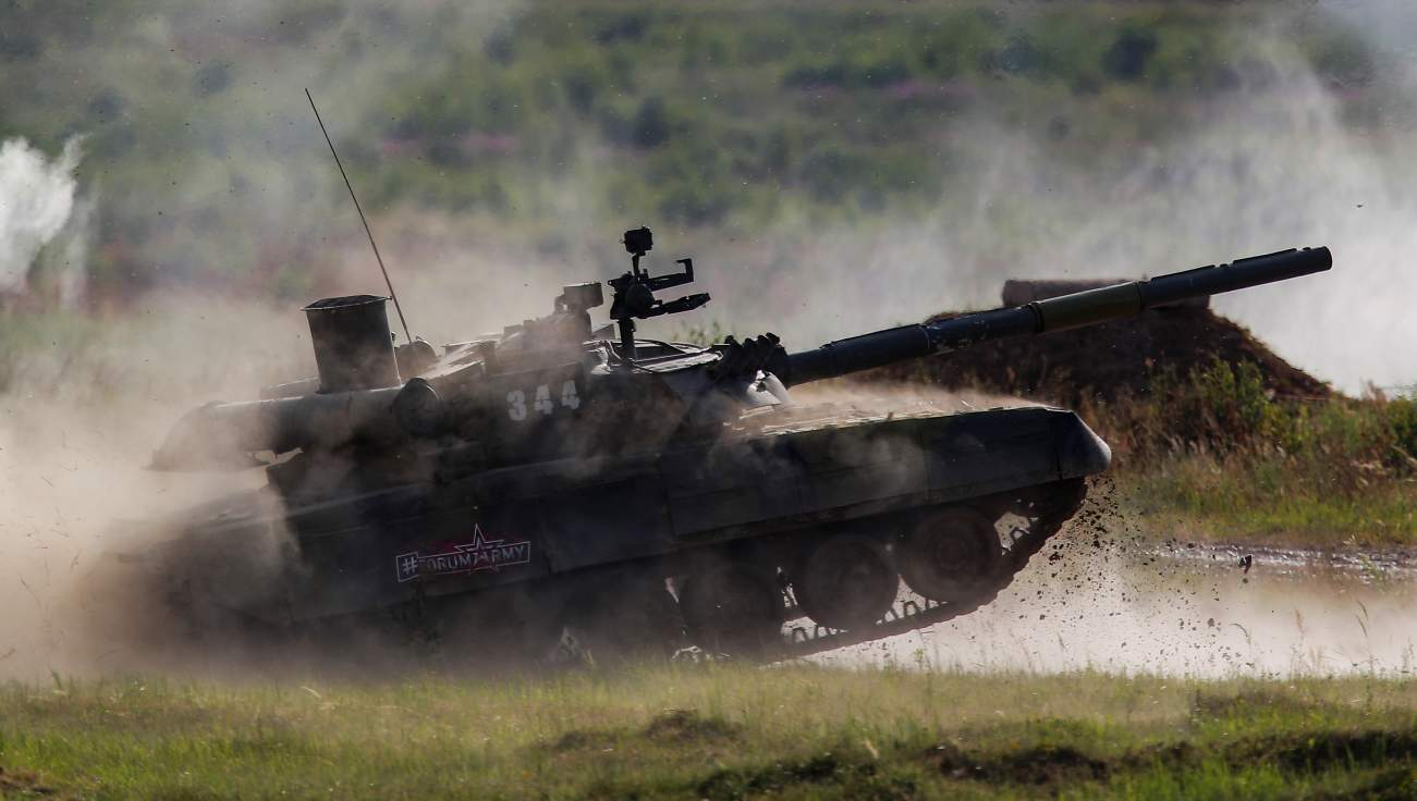 Tanque T-72 participando dos Jogos Militares Internacionais na Rússia