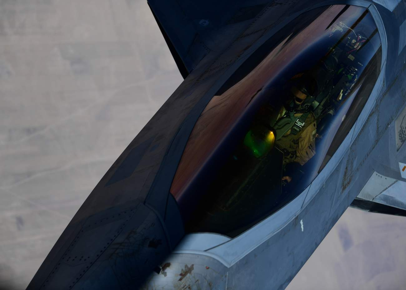 The New Age Of Stealth Is Arriving: Is This The End of The F-22?