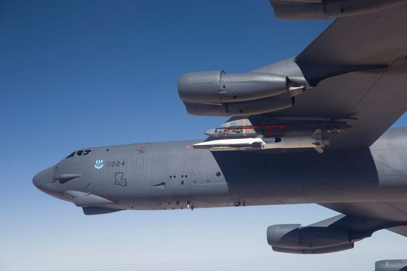 The B-52 Bomber Could Fly Into War For A Hundred Years