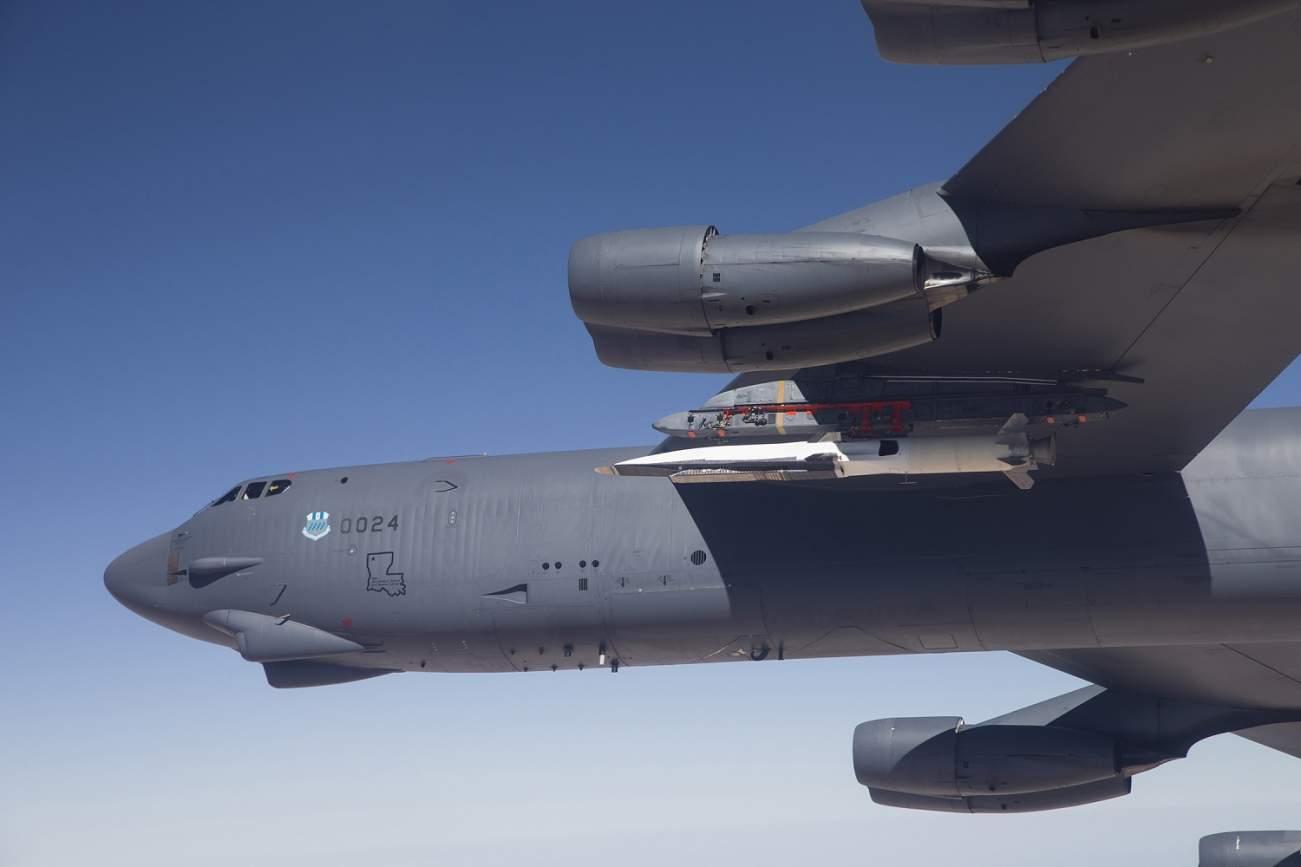 Danger – U.S. B-52 Bombers Are Flying Near Russian Submarine Bases