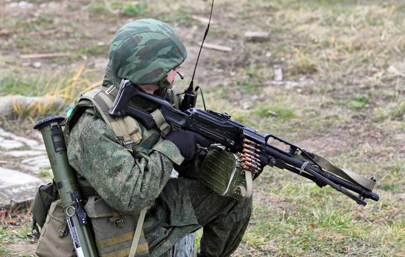 https://en.wikipedia.org/wiki/PKP_Pecheneg_machine_gun#/media/File:ReconCompany4thOTBr29.jpg
