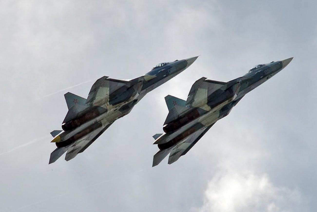 Could Russia's Su-57 Stealth Fighter Defeat its Su-35 Predecessor?
