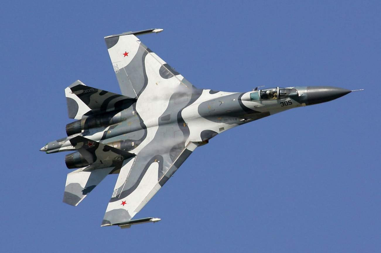 Russia Built Its Very Own F-15: Meet the Su-27 Fighter