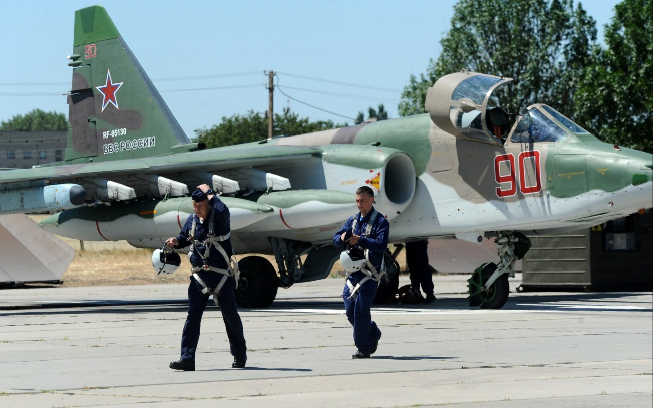 Flying Tanks: How Similar Is Russia's Su-25 to America's A-10 Warthog?