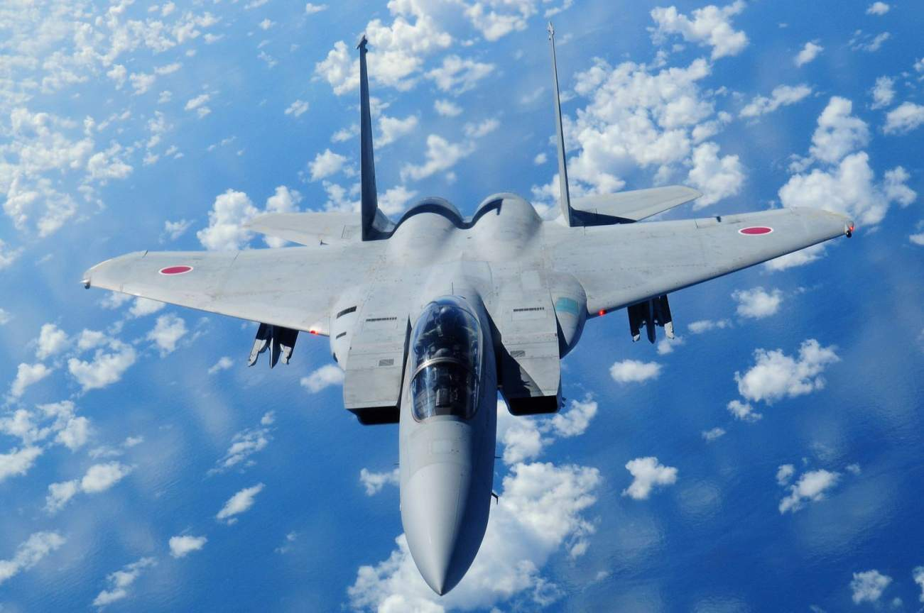 Top Gun Dual: Japan's F-15 vs. China's J-20 Stealth Fighter (Who Dies?)