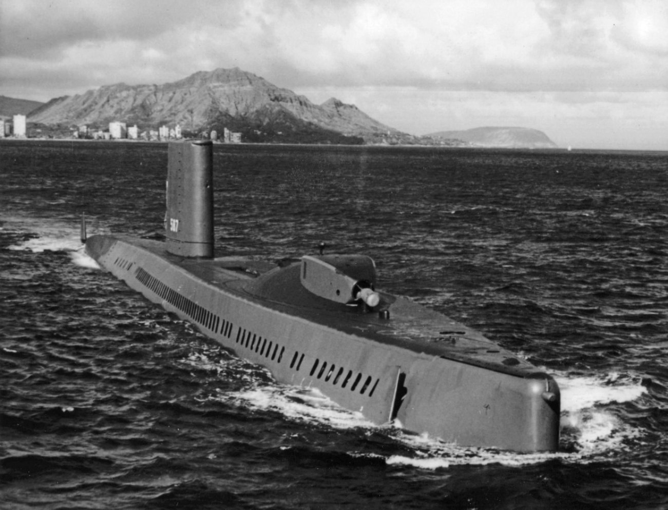 This Spy Submarine Won an Intelligence Coup Against the Russians