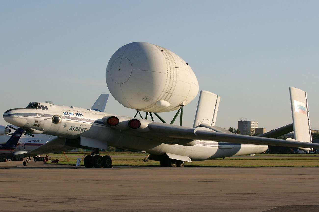 Check Out the Massive Plane Russia Built to Carry a Space Shuttle On its Back