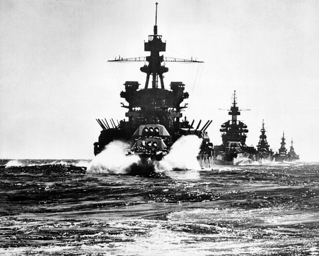 Battleships, Submarines and Aircraft Carriers Fight: Battle of Leyte Gulf Was the Ultimate Naval Deathmatch