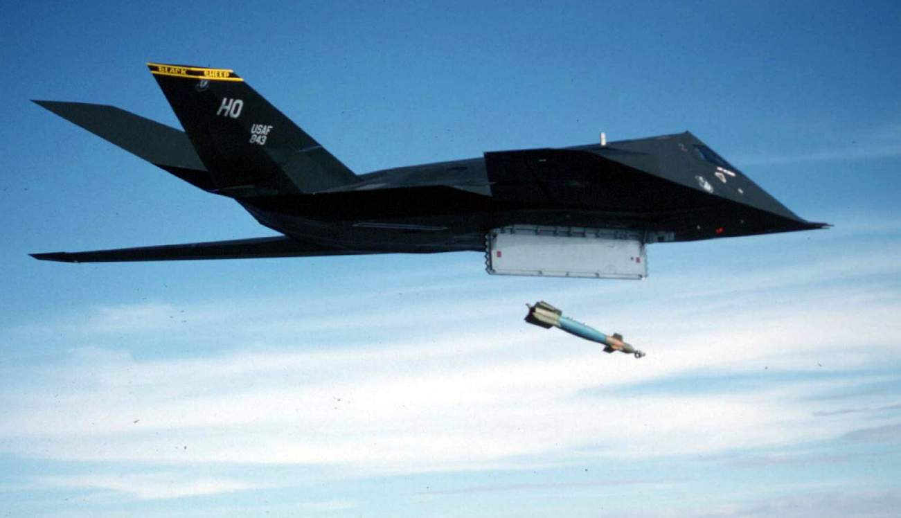 RIP Stealth? In 1999, a U.S. F-117 Stealth Fighter Was Hit By a Missile