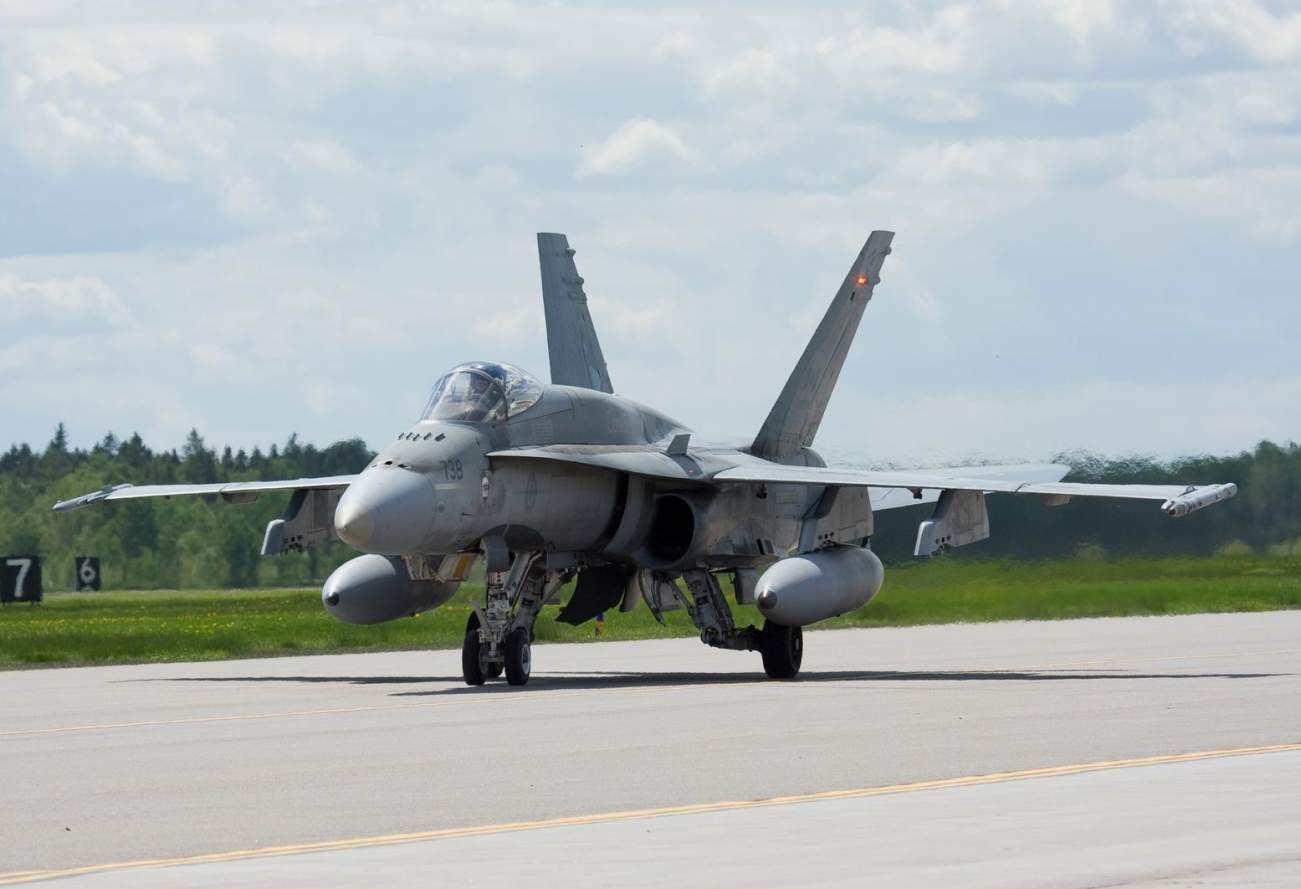 This Report Found That Canada Doesn't Have Enough Jets to Protect Itself from Russia