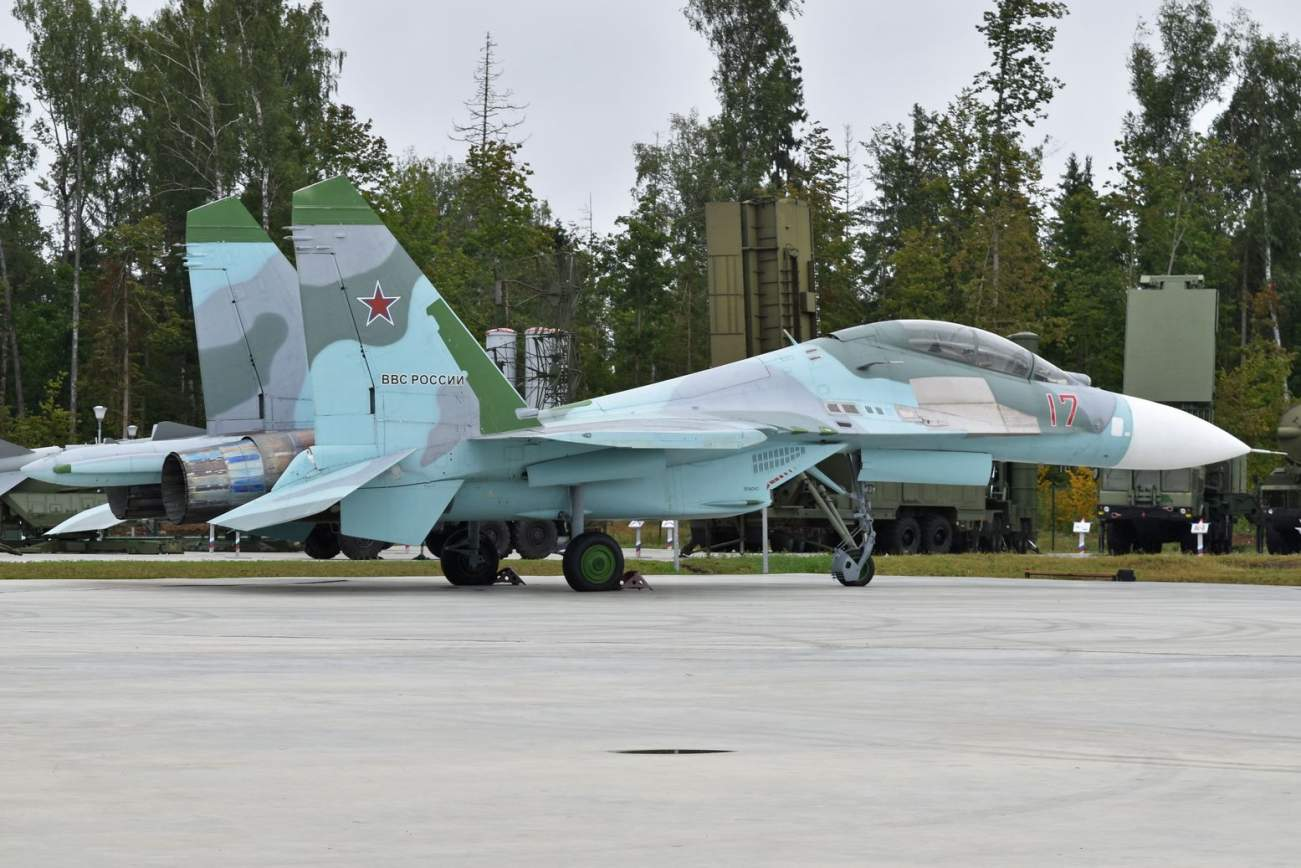 NATO's Nightmare: Fighting Russia's Su-27 and MiG-29 in a War
