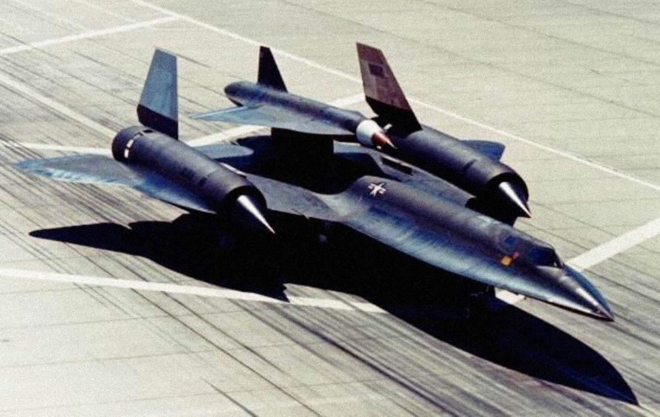 How Russia Got Its Hands on a 'Mini' Mach 3 SR-71 Blackbird