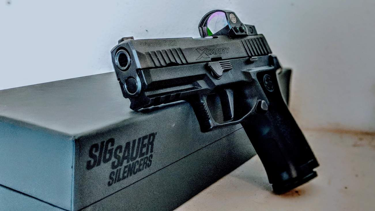 What's the Truth About the Sig Sauer P-320 X-Carry?