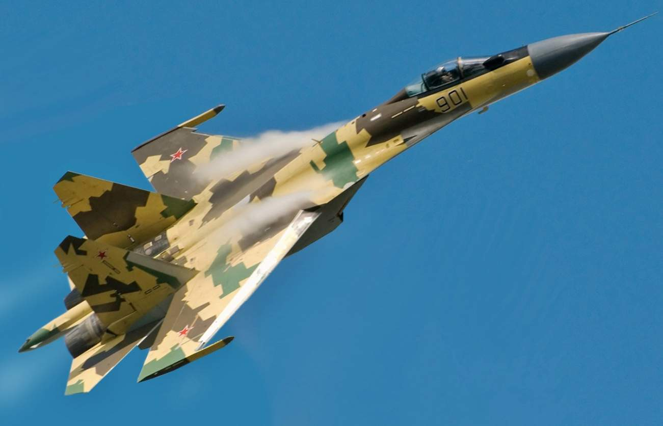 Here Comes Russia's Su-35 Flanker Fighter
