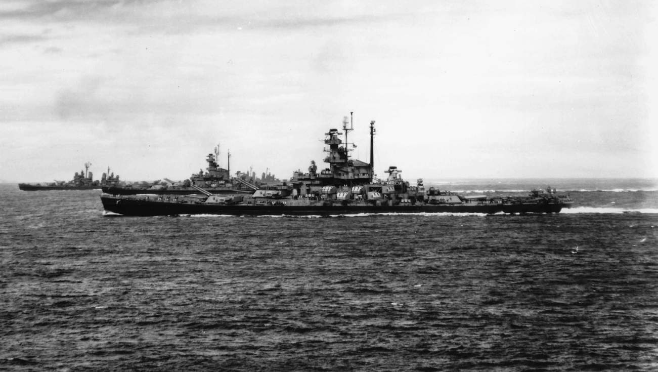 Meet the 5 Best Battleships and Aircraft Carriers in History
