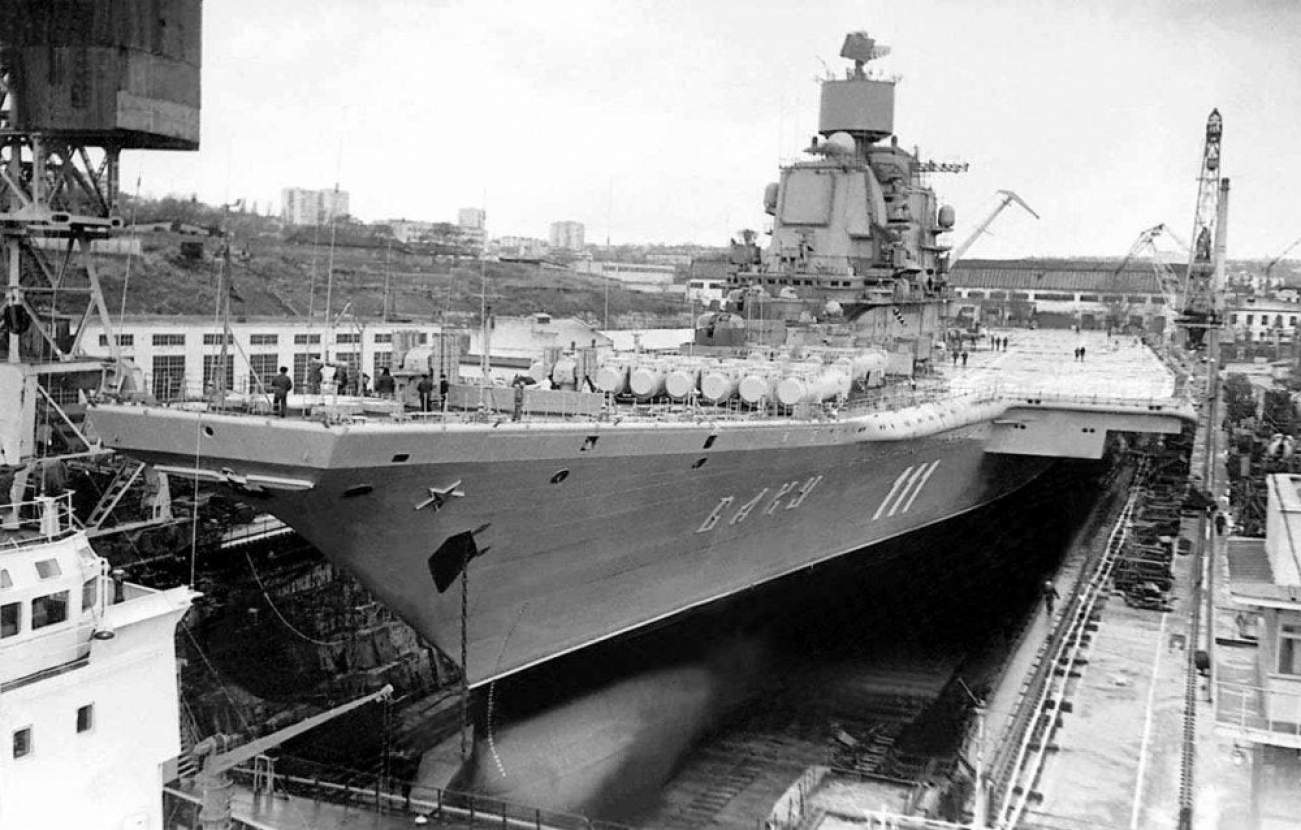 This Is Why Russia Wanted A 1,000 Foot Long Aircraft Carrier (More Like Supercarrier)