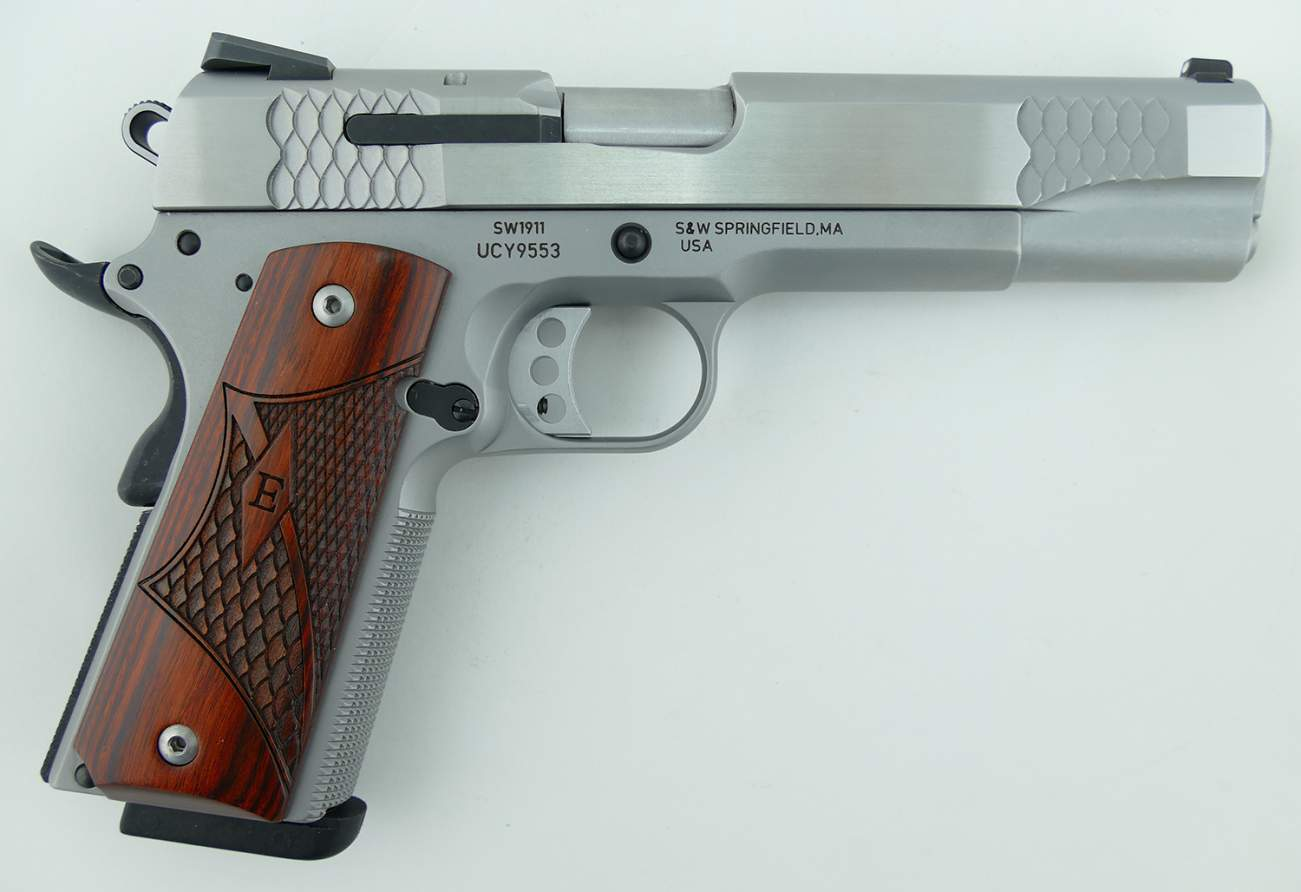 Smith & Wesson's Rebooted the 100-Year Old 1911 Semi-Automatic (It's Amazing)