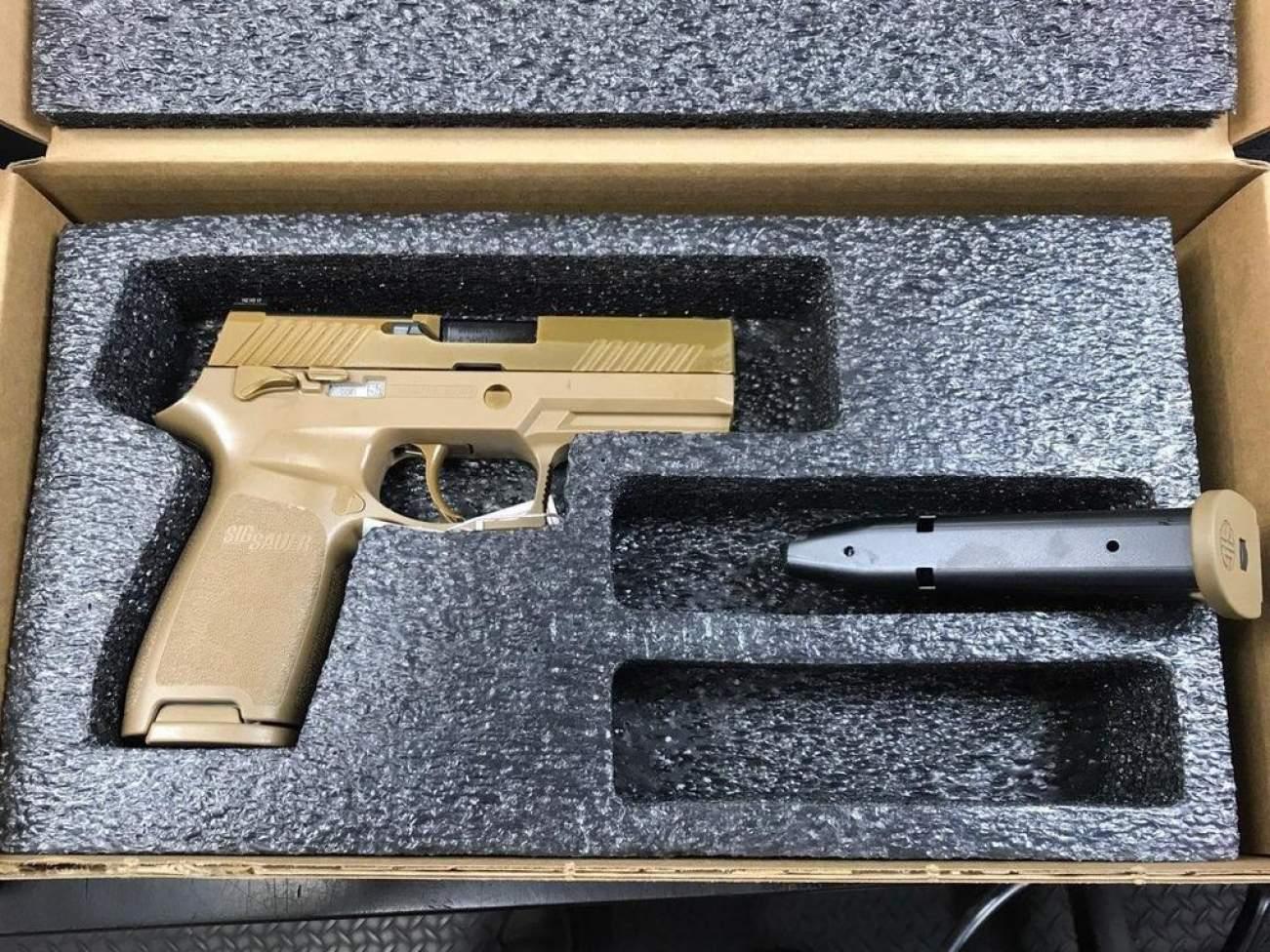 The U.S. Army Just Got New Sig Sauer M17 and M18 Handguns